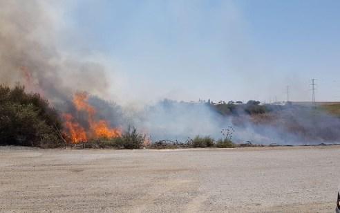 חוקר שריפות קבע: שריפה נגרמה מבלון תבערה ביכיני שבעוטף עזה