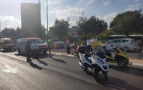 הולך רגל כבן 19 נפגע מרכב בירושלים – מצבו בינוני