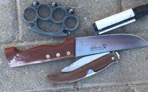 שני ערבים נתפסו סמוך לכפר עזון כשעליהם סכינים, גז פלפל ואגרופן