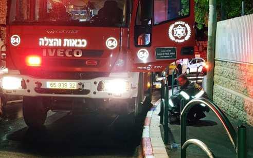 שני פצועים בינוני ואחת קל בשריפה  בבניין בתל אביב