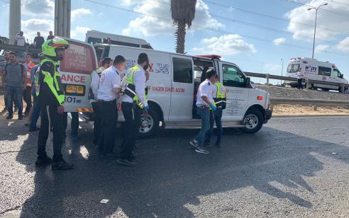 גבר ואשה נפצעו בינוני בתאונה בצומת הכניסה ליד בנימין