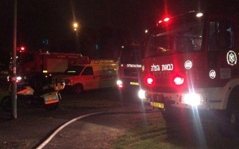 חמישה נפגעים חולצו משריפה בבניין באשקלון – זוג בני 70 נפצעו בינוני עד קשה, נערה בינוני, ושניים קל