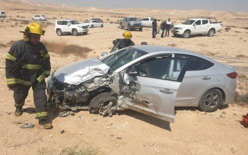 תיעוד ממצלמת רכב: פצוע בינוני ושניים קל בתאונה בין 2 רכבים בכביש 40 סמוך לצומת טללים