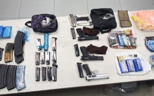 בפעילות משטרתית בג'דידה מכר, נתפסו לבנות חבלה, רובה קלאצ'ניקוב, 3 אקדחים, רימונים ועוד