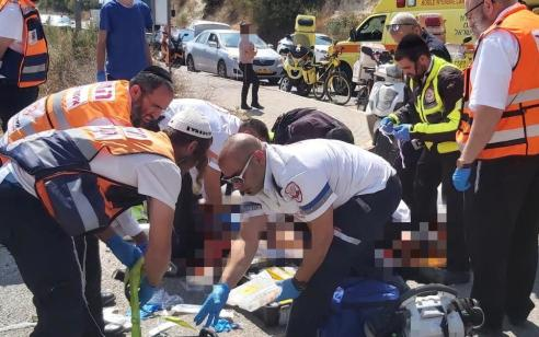 צפת: צעיר וצעירה נפצעו קשה בתאונה בין אופנוע למשאית