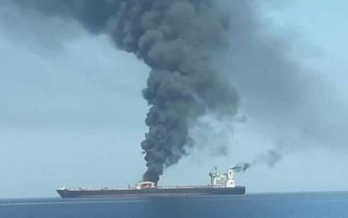 חשד לפיגוע: פיצוץ במכלית נפט באיראן סמוך לעיר ג'דה בסעודיה