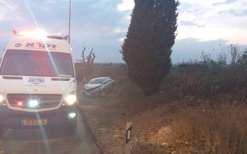 שני פצועים בינוני וקל בתאונה בין 2 רכבים בכביש בין המושבים בארות יצחק לנחלים