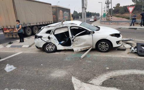 שני הרוגים ופצוע בינוני בתאונה בין משאית למונית בכביש 232 סמוך לצומת איבים