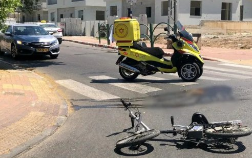 בן 18 שרכב על אופניים חשמליים נפצע בינוני בתאונה באשקלון