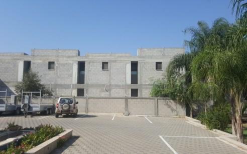 צפו: נחשפה מעבדה בת 2 קומות ובה כחצי טון סם מסוג 'קנאביס' ומאות שתילים – 7 חשודים נעצרו