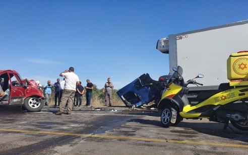 נהג רכב נפצע קשה ונהג משאית קל בתאונה בכביש 4404 בין מושב זיתן למושב יגל