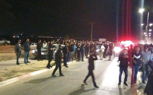 חשד לרצח כפול: שני גברים כבני 25 אותרו מתים ברכב עם פצעי ירי בכניסה לישוב עומר שבנגב