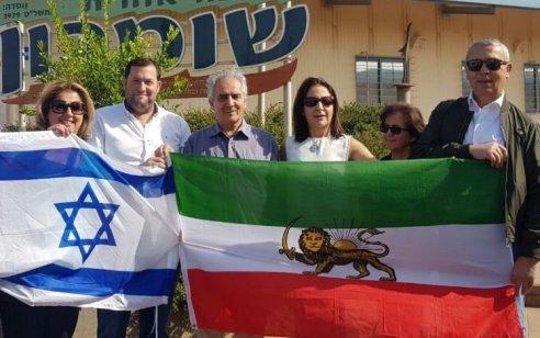 """משלחת עיתונאים איראנים בשומרון: """"מעריצים את היהודים ואת מדינת ישראל"""