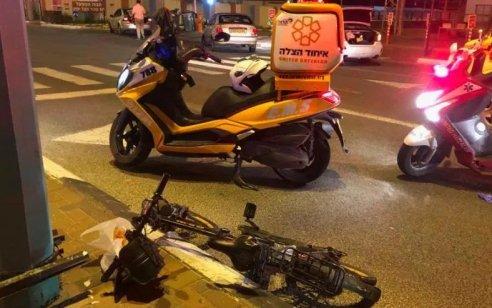 """שני פצועים בתאונה בין רוכב אופניים להולכת רגל בראשל""""צ"""