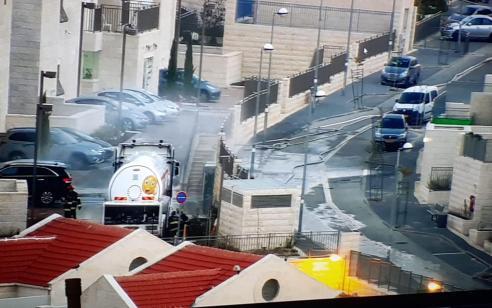 שבעה צוותי כיבוי פעלו בדליפה מאסיבית ממיכלית להובלתגז בירושלים – אין נפגעים
