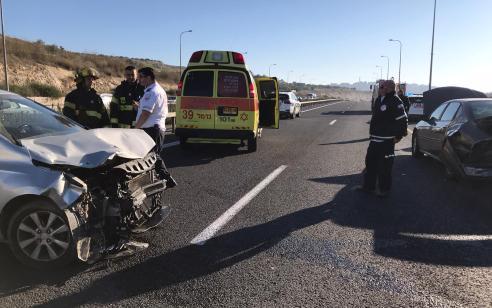 בן 60 יצא מרכבו ונהרג מפגיעת רכב סמוך לצומת המוביל