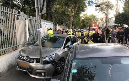 רכב פגע בהולכי רגל בתל אביב – ארבעה נפצעו קל