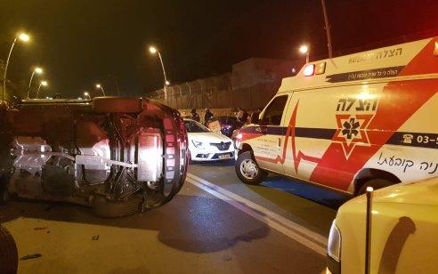 פצוע קשה ושניים קל בתאונה בין מספר רכבים ואופניים חשמליים ברמת גן
