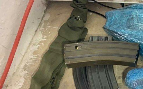 בפעילות המשטרה במ.פ שועפט, נעצר ערבי שהחזיק מטען צינור, נשק מסוג m16 כשהוא מפורק, ומחסניות עם כדורים