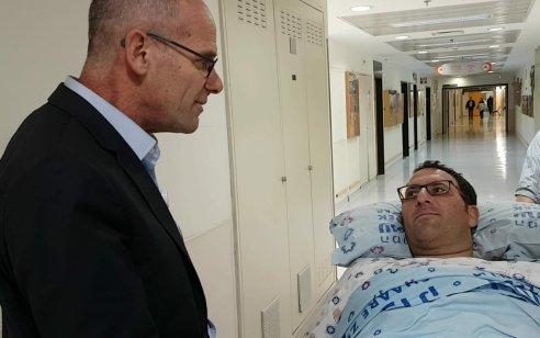 חודש אחרי התאונה הקשה ב-443: אפרים רימל שאיבד את אשתו ובתו שוחרר הבוקר מבית החולים