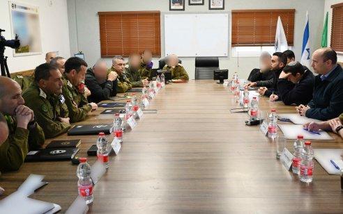 """שר הביטחון נפתלי בנט באוגדת עזה: """"ההתנהלות המופקרת של ראשי חמאס מקרבת אותנו לפעולה קטלנית מולם"""""""