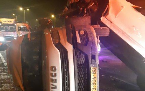 שני פצועים בינוני וקל בתאונה בכביש 65 ליד נחל חדרה