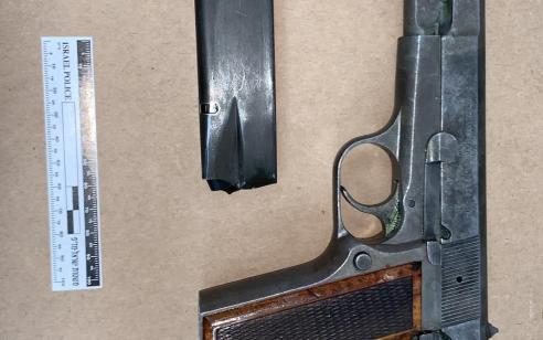 תושב באקה אל גארביה נעצר בחשד להחזקה לא חוקית של אקדח