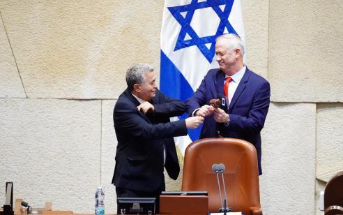 """גנץ בנאום ראשון כיו""""ר הכנסת: """"מתחייב לקדם ממשלת חירום לאומית״"""
