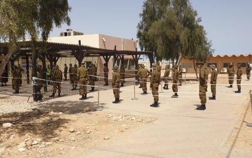 """צה""""ל נערך לסגר: כ-500 חיילים יסייעו למשטרה במאבק נגד הקורונה"""