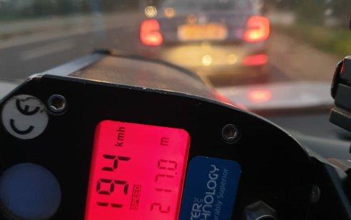 שוטרים תפסו נהגים שניצלו את התנועה הדלילה והרשו לעצמם לנסוע במהירויות חריגות