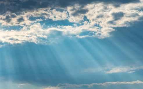 מעונן חלקית ויתכן גשם מקומי בצפון הארץ | התחזית המלאה
