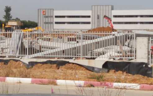 מנוף פגע במבנה באתר בנייה בראשון לציון – אין נפגעים