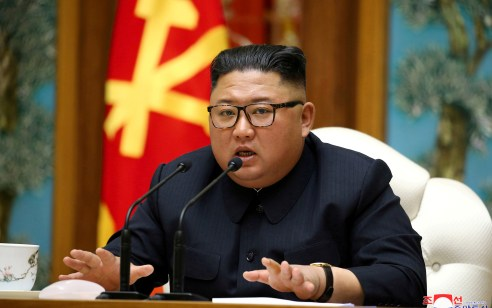 דיווח: מנהיג קוריאה הצפונית קים ג'ונג און במצב קשה לאחר ניתוח שכשל