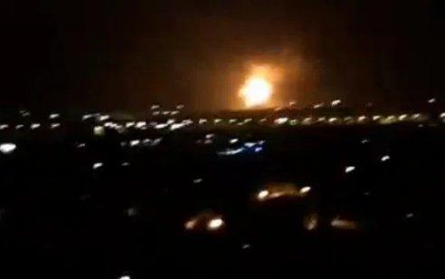 דיווחים בסוריה: תקיפה ישראלית באזור חומס – מערכות ההגנה האווירית הופעלו
