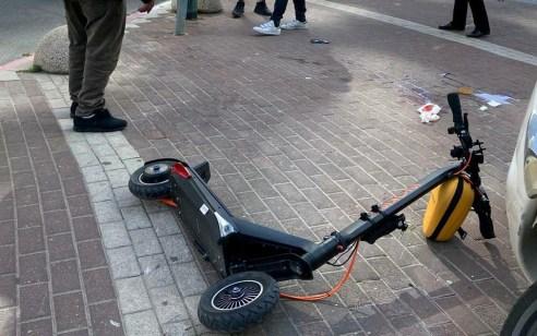 רמת גן: רוכב קורקינט נפל ונפצע במהלך רכיבה – מצבו קשה