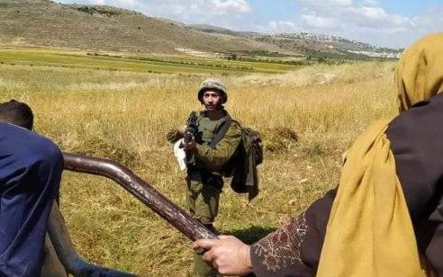 """ניסיון פיגוע בבנימין: כוח צה""""ל ירה לעבר מחבלים שניסו לדקור לוחם"""