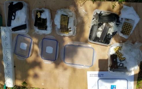 מצבור כלי נשק, רימונים, לבנות חבלה ותחמושת נתפסו בפרדס חנה – תושב העיר נעצר