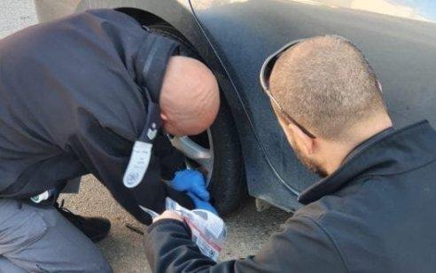 סוכל ניסיון חיסול בבית שמש: ארבעה נתפסו כשהצמידו מטעןלרכב | תיעוד