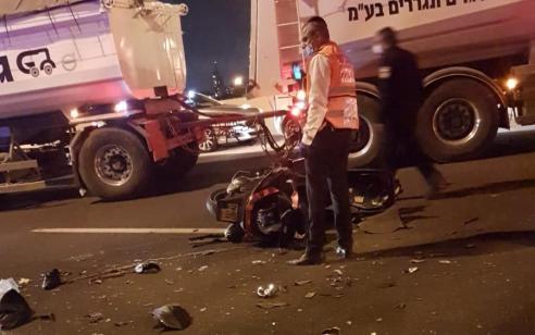 רוכב אופנוע בן 34 התנגש ברכב חונה בכביש 431 – ונהרג