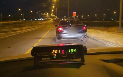 """תושב הדרום נתפס נוהג במהירות של 201 קמ""""ש בכביש 6"""