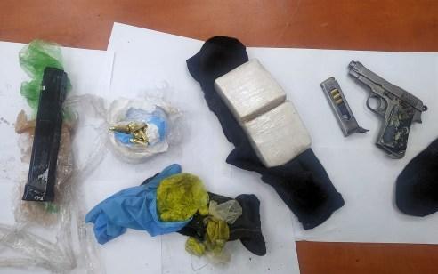 רובים, אקדחים וסמים נתפסו בשבוע החולף במבצע חיפושים של  המשטרה בלוד – 6 חשודים נעצרו