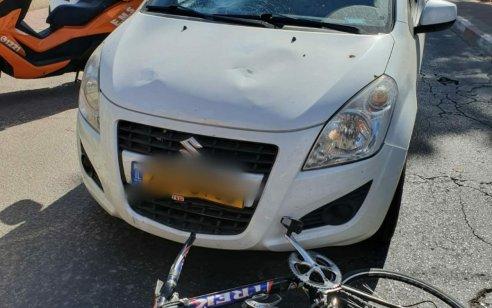 רוכב אופניים בן 12 נפצע בינוני בתאונה ברחובות