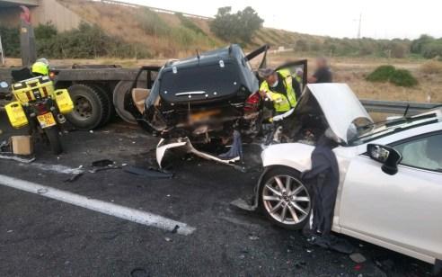 תשעה נפגעים בתאונה עם מעורבות מספר כלי רכב בכביש 6 סמוך לקרית גת