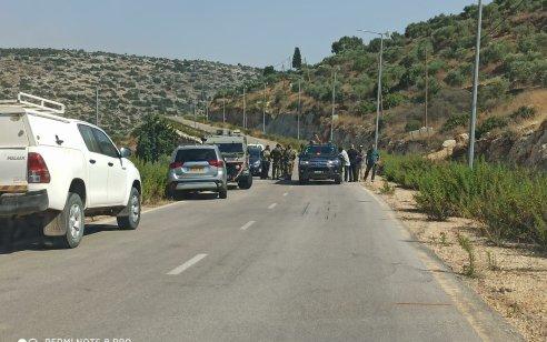 ארבעה יהודים נפצעו כשעשרות ערבים תקפו אותם סמוך למעלה שומרון – 2 מתפרעים ערבים נפצעו