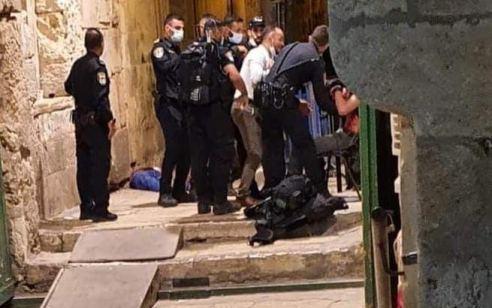 """פיגוע דקירה בעיר העתיקה בירושלים: לוחם מג""""ב נפצע בינוני – המחבל חוסל"""