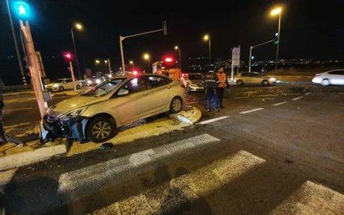 בן 19 נפגע מרכב בצומת חסידים – מצבו קשה
