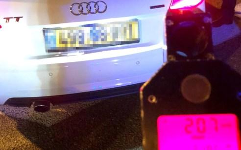 """נהג צעיר בן 19 נתפס הלילה במהירות חריגה של 207 קמ""""ש על כביש 2"""