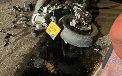 רוכב אופנוע בן 22 נפצע בתאונה בטבריה – מצבו בינוני