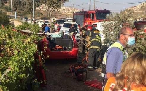נהג רכב בן 26 איבד שליטה והתנגש בעץ באפרת – מצבו בינוני