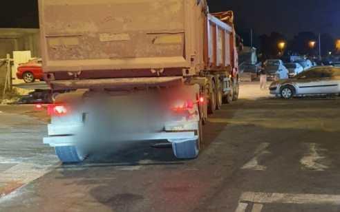 דיווח של אזרח הוביל לעצירת נהג משאית פול טריילר בהשפעת אלכוהול